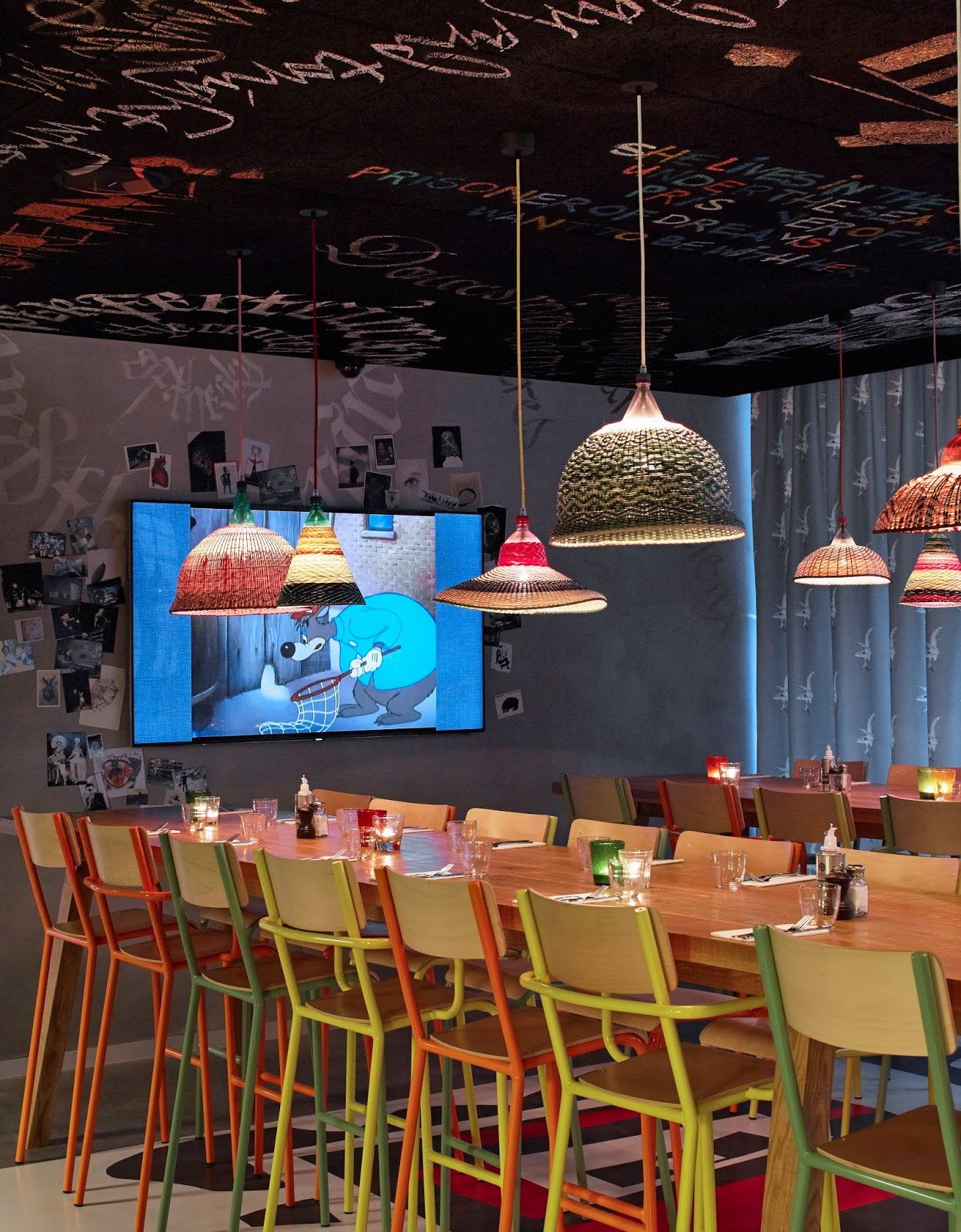 Mama shelter s 39 installe bordeaux joli place for Hotel atypique bordeaux