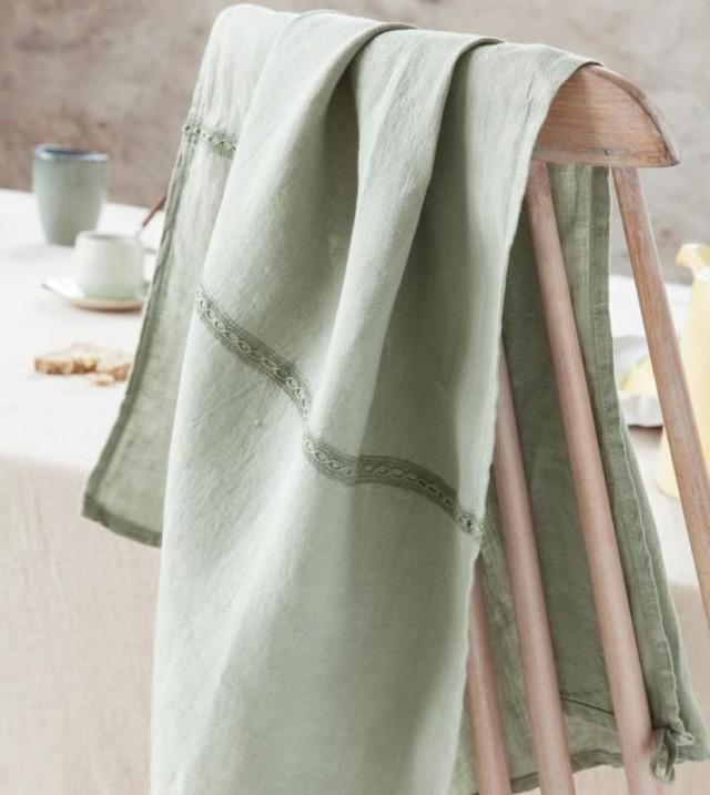 Le linge de maison de couleur chanvre joli place - Monoprix saint jean de luz ...