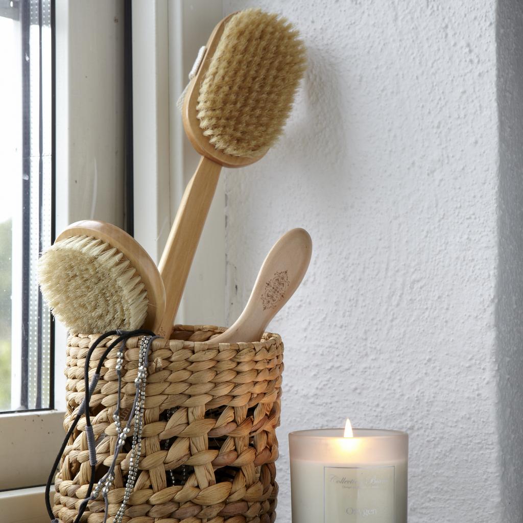 Une salle de bain en blanc et bois - Joli Place