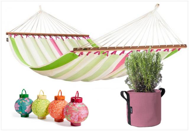 Un salon de jardin color joli place for Lanterne japonaise de jardin pas cher
