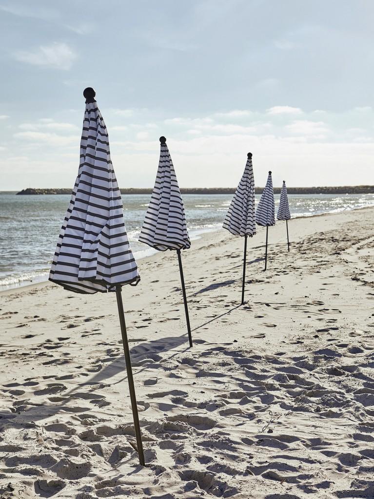 D co bord de mer sur le chemin de la plage joli place - Deco bord de mer salon ...