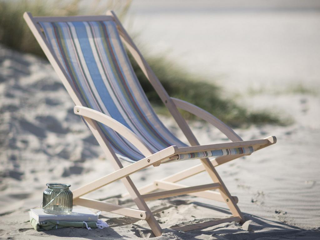 d co bord de mer sur le chemin de la plage joli place. Black Bedroom Furniture Sets. Home Design Ideas