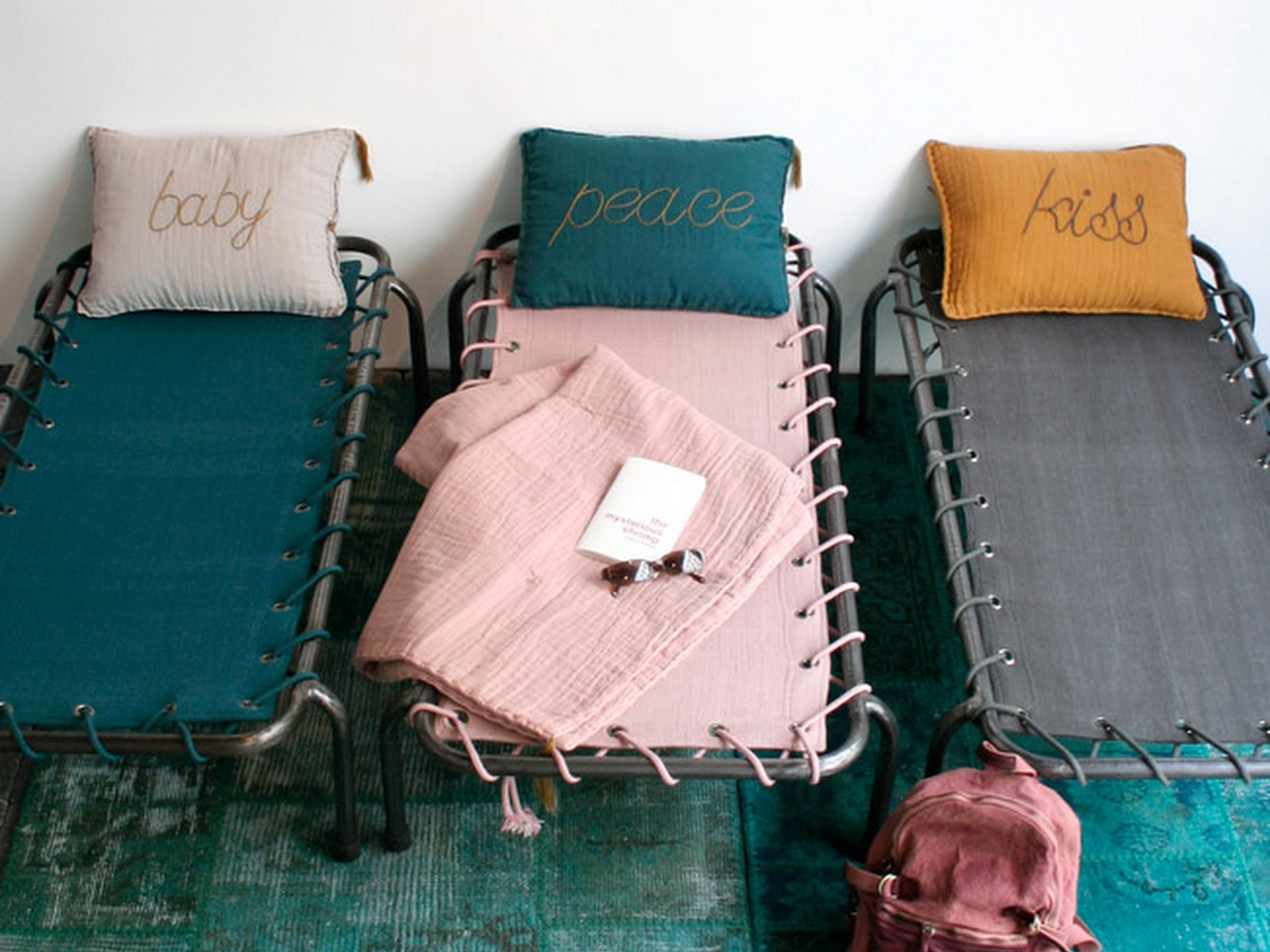 am nagez un dortoir pour les enfants dans votre maison de vacances. Black Bedroom Furniture Sets. Home Design Ideas