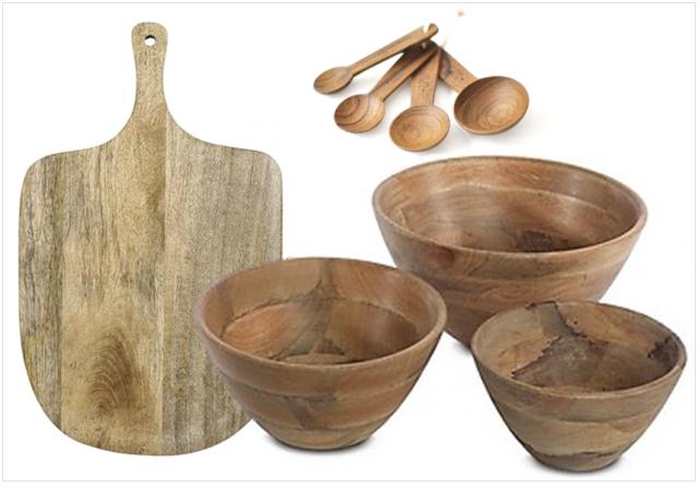 Du bois dans la cuisine et sur la table joli place - Ustensiles de cuisine en bois ...