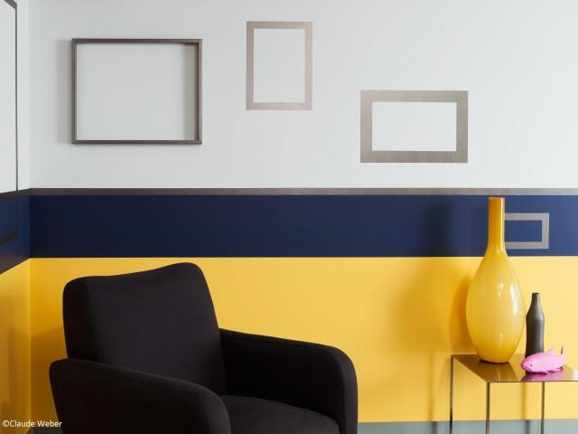 Peinture mur jaune et bleu marine
