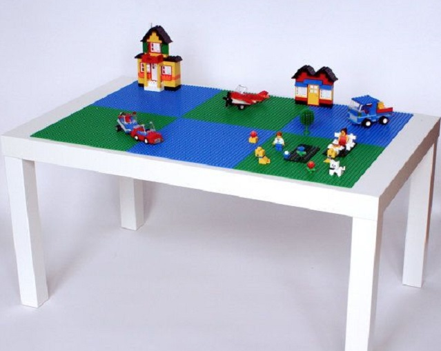 table en lego good check out this awesome lego triathlon race site from evy guidry can you find. Black Bedroom Furniture Sets. Home Design Ideas