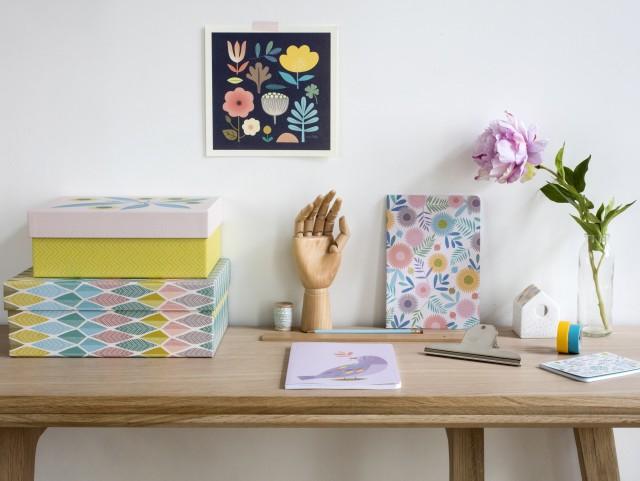 Affiche, boîtes et papeterie