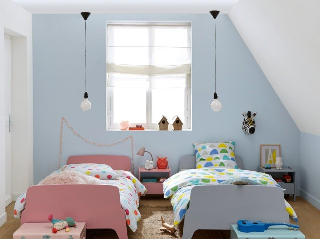 Best deco chambre bebe mansardee 2 contemporary for Decor chambre enfant