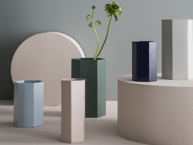 Vase en métal pastel