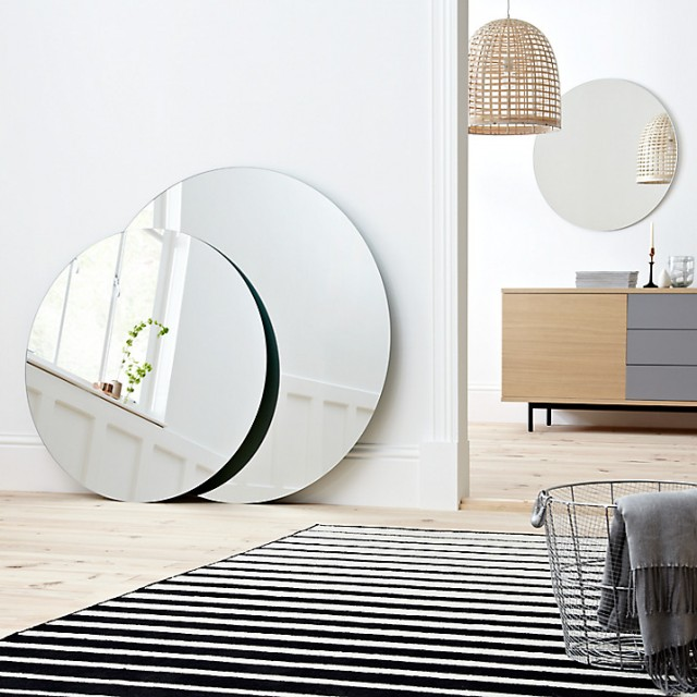 adoptez un grand miroir rond joli place. Black Bedroom Furniture Sets. Home Design Ideas