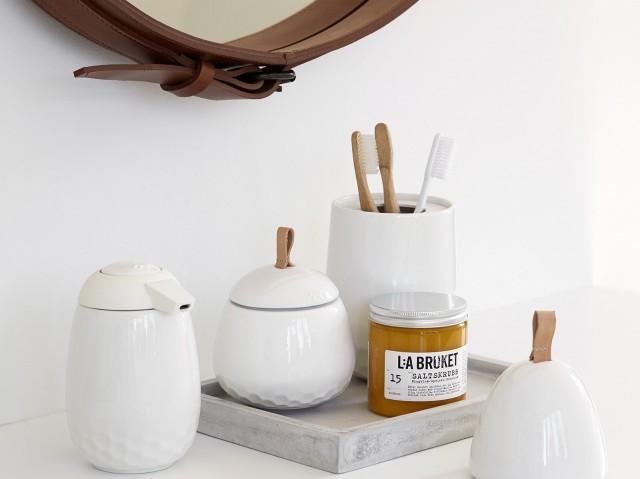 idee deco accessoires salle de bains blanc epure - Salle De Bain Epuree