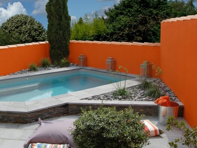 6 id es d co autour d 39 une piscine joli place for Piscine mur mobile