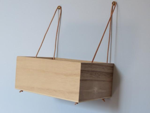 fabriquer des mini casiers suspendus joli place. Black Bedroom Furniture Sets. Home Design Ideas