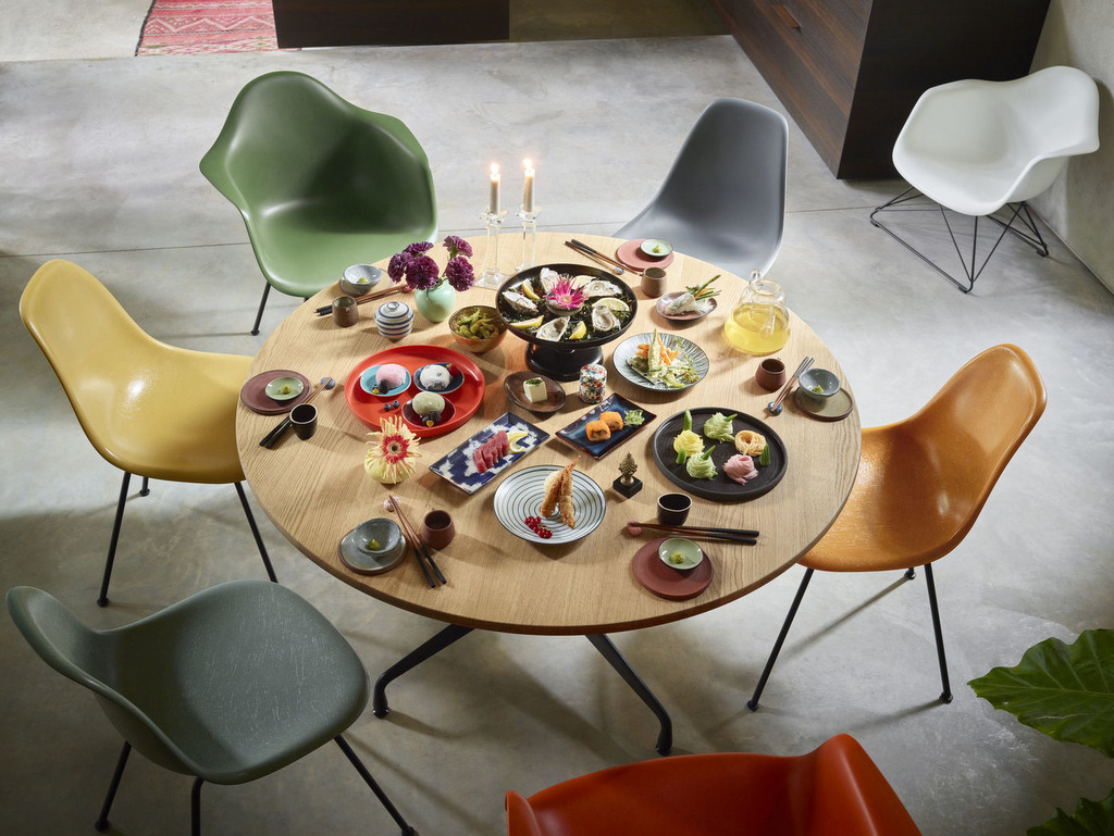chaises couleurs différentes