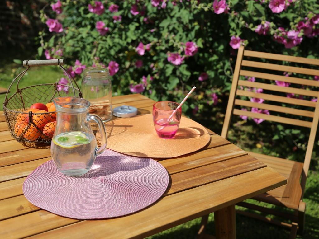 D jeuner sur l 39 herbe joli place - Table de jardin en acacia ...