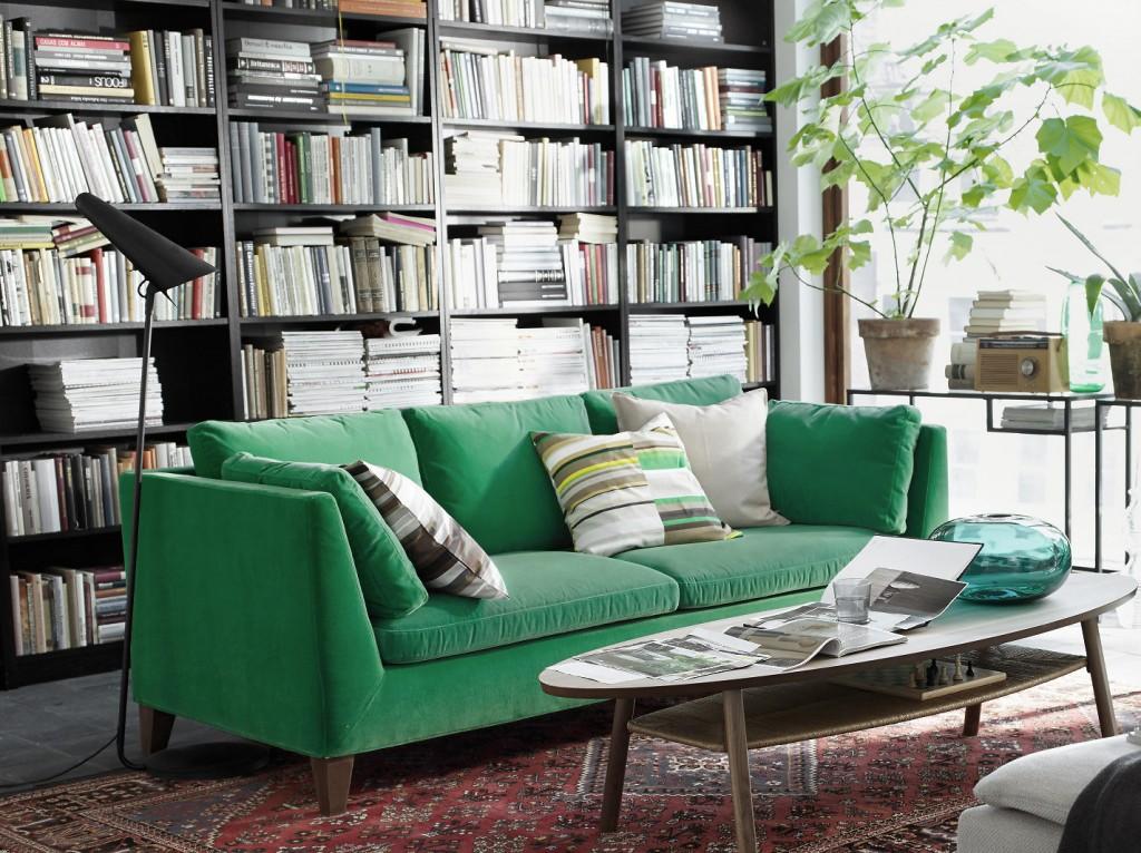 Canap en velours entre vert et bleu notre c ur balance for Idee deco salon 2016