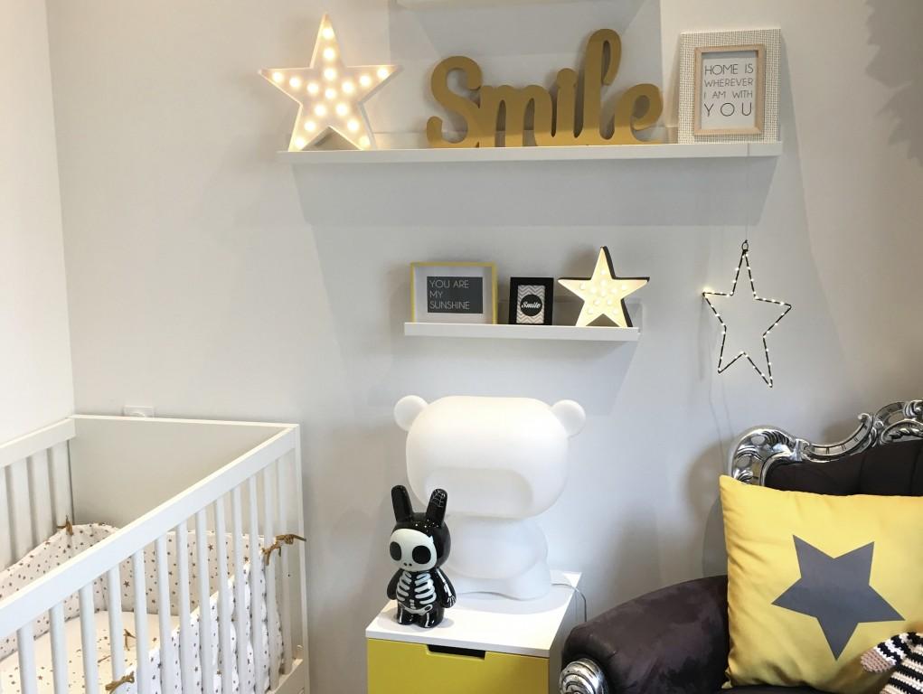chambre-bebe-garcon-jaune-grise-etoiles-rafael-4