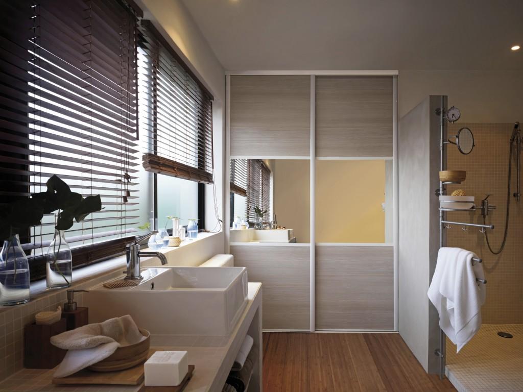 Des placards pour tout ranger joli place - Placard salle de bains ...