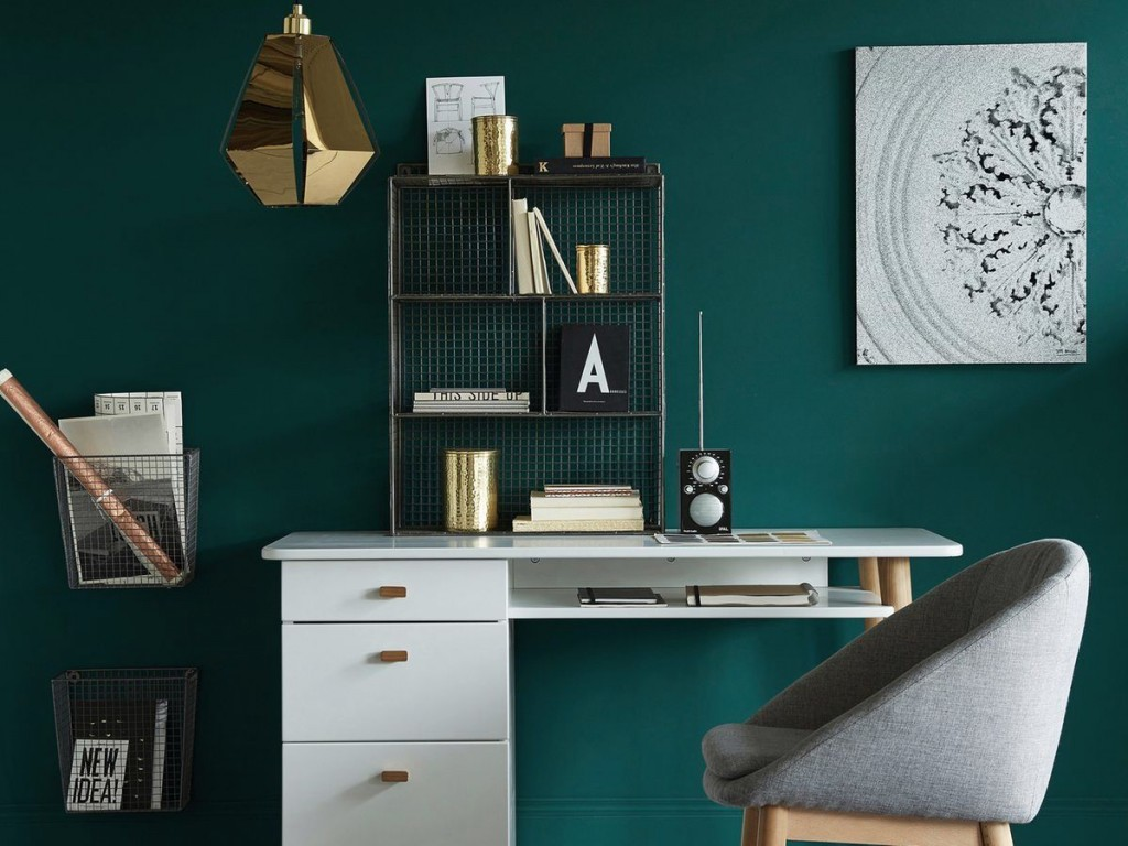 inspirations d co en vert fonc joli place. Black Bedroom Furniture Sets. Home Design Ideas