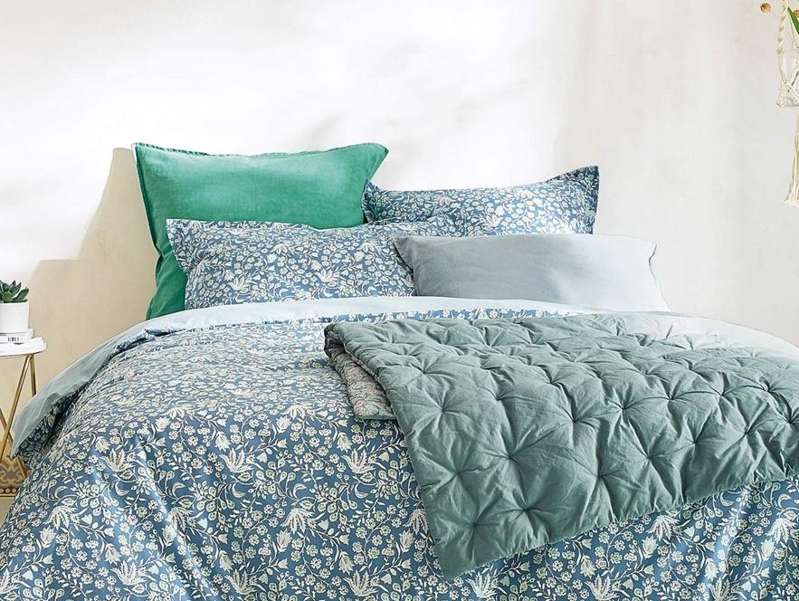 chambre déco en bleu et vert