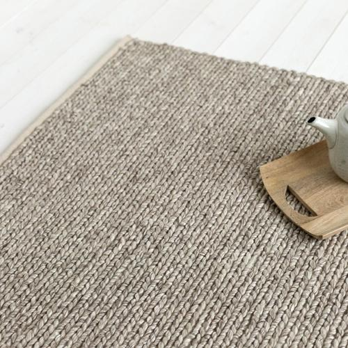 tapis en laine tressée