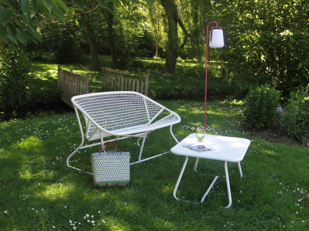 le salon de jardin l 39 esprit r tro de sophie. Black Bedroom Furniture Sets. Home Design Ideas