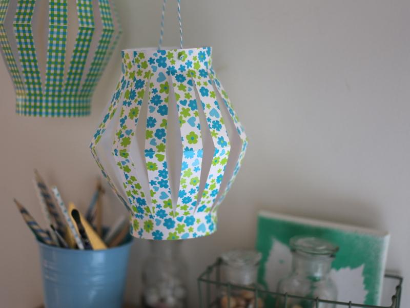 Lampions En Papier : Un Diy Déco Pour La Chambre Des Kids - Joli Place