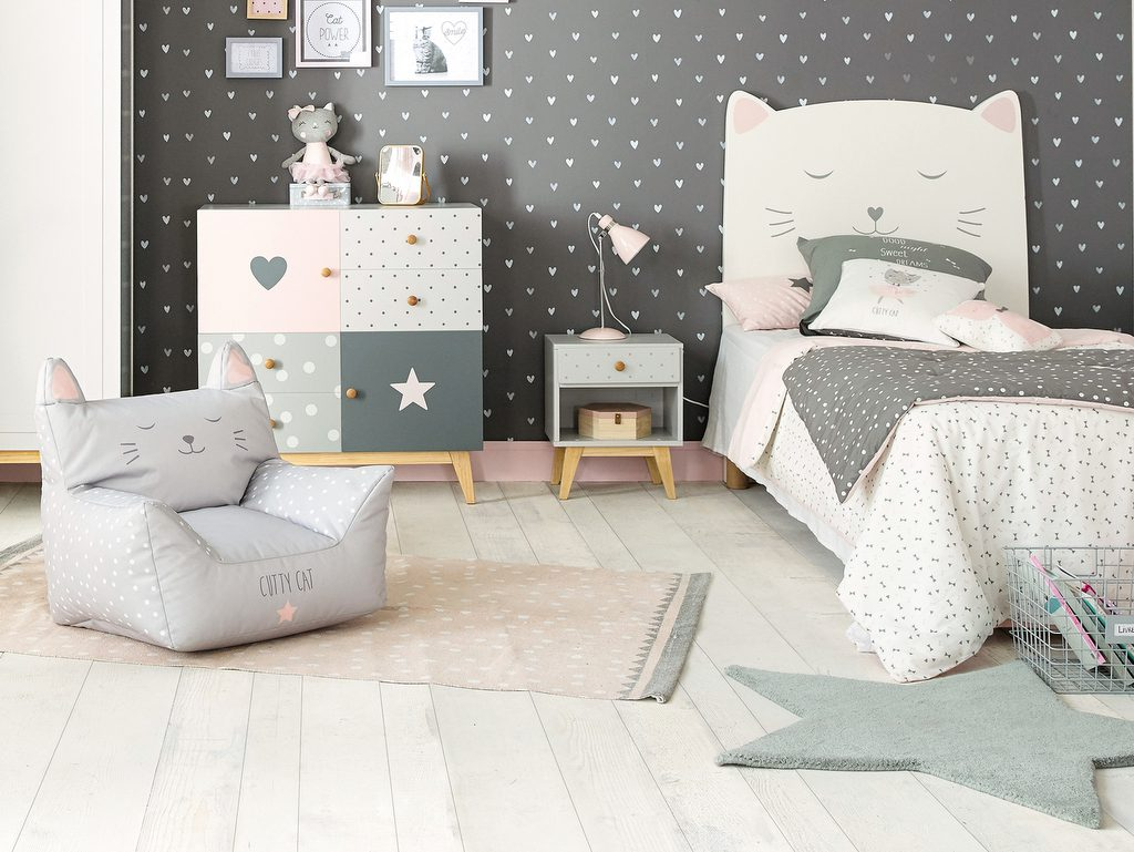 la d co chat dans une chambre d 39 enfant joli place. Black Bedroom Furniture Sets. Home Design Ideas