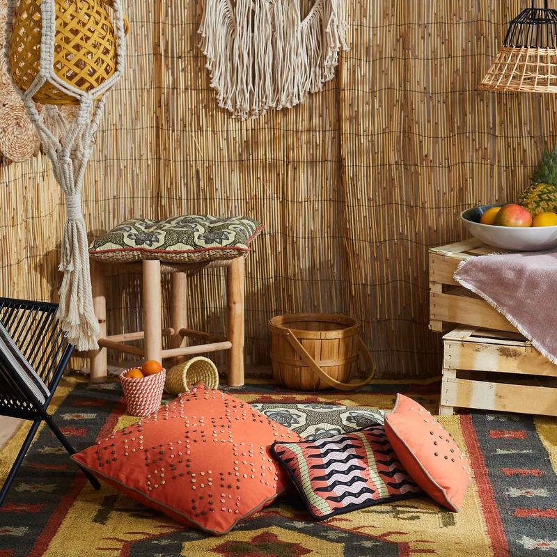 tissu ethnique chic deco ethnique chic salon recouvrir. Black Bedroom Furniture Sets. Home Design Ideas