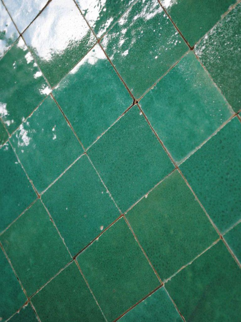 Déco Chambre Verte Et Blanc : La déco couleur vert émeraude effet feel good assuré