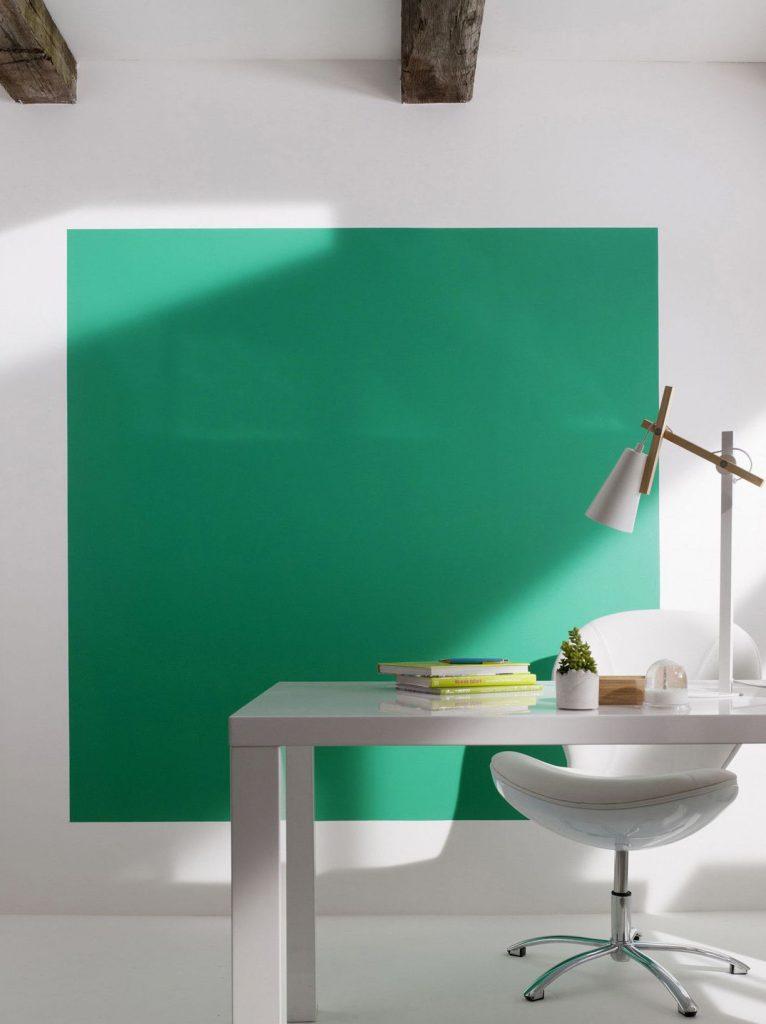 La d co couleur vert meraude effet feel good assur for Peinture mur vert