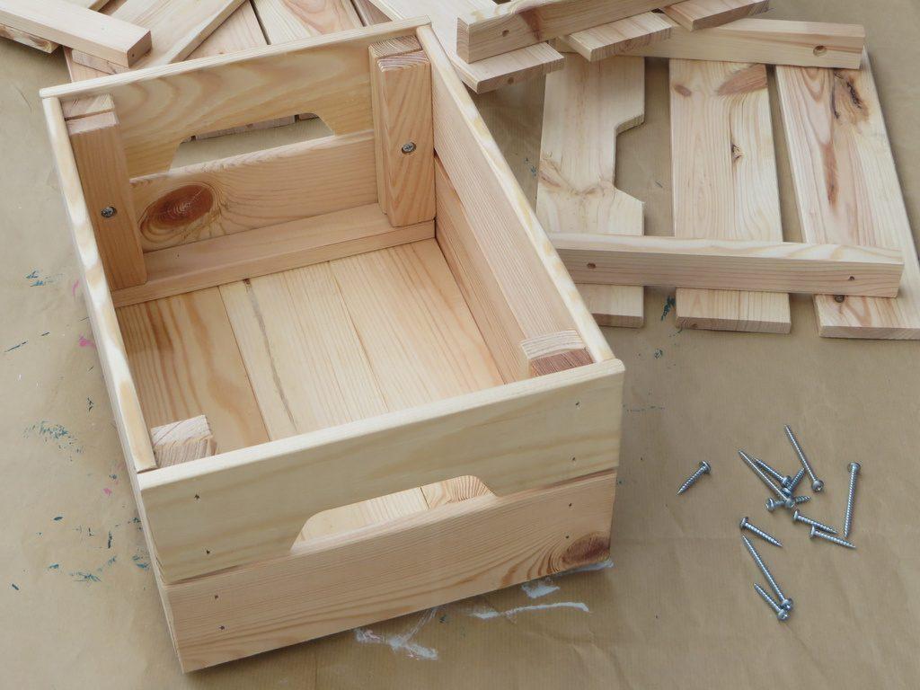 Une biblioth que fabriqu e avec des caisses en bois joli - Caisse bois ikea ...