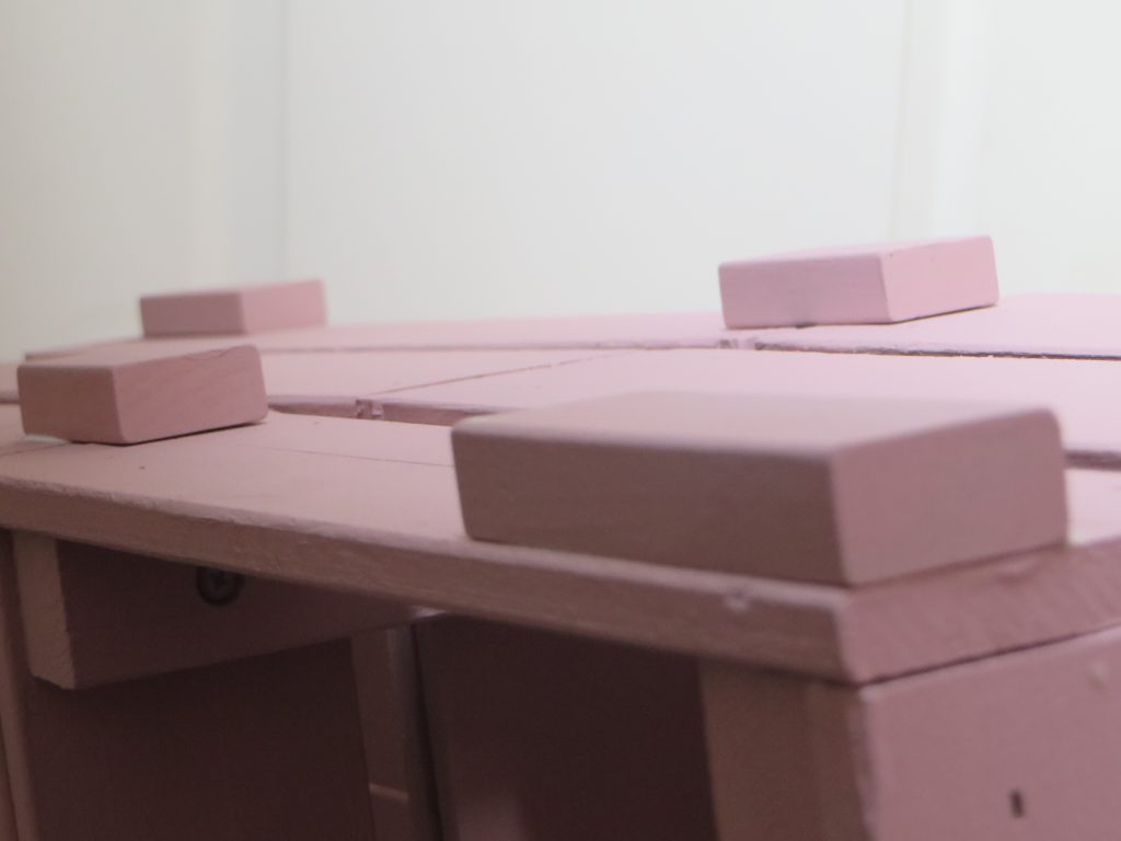 DIY-ikea-hack-bibliotheque-avec-caisses-en-bois-knagglig-©-Joli-Place-magazine-deco (24)