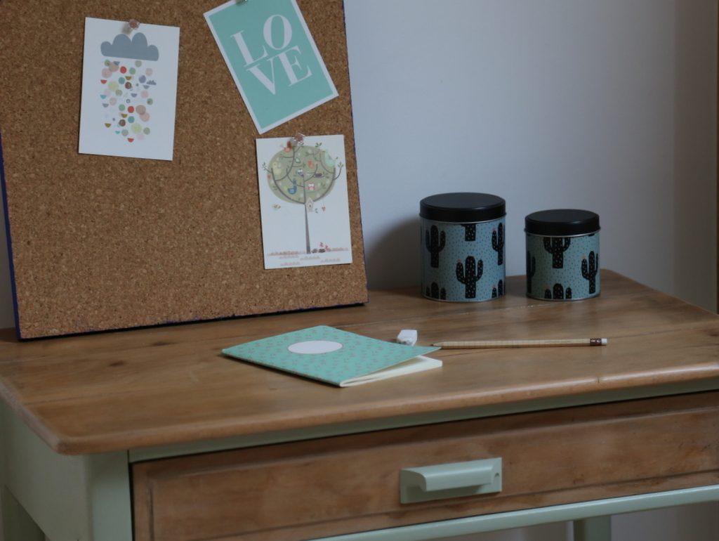 Un petit bureau pour enfant r nov diy avant apr s - Fabriquer un bureau pour enfant ...