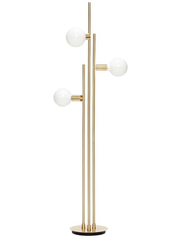 un luminaire globe en opaline et laiton un must have d co joli place. Black Bedroom Furniture Sets. Home Design Ideas