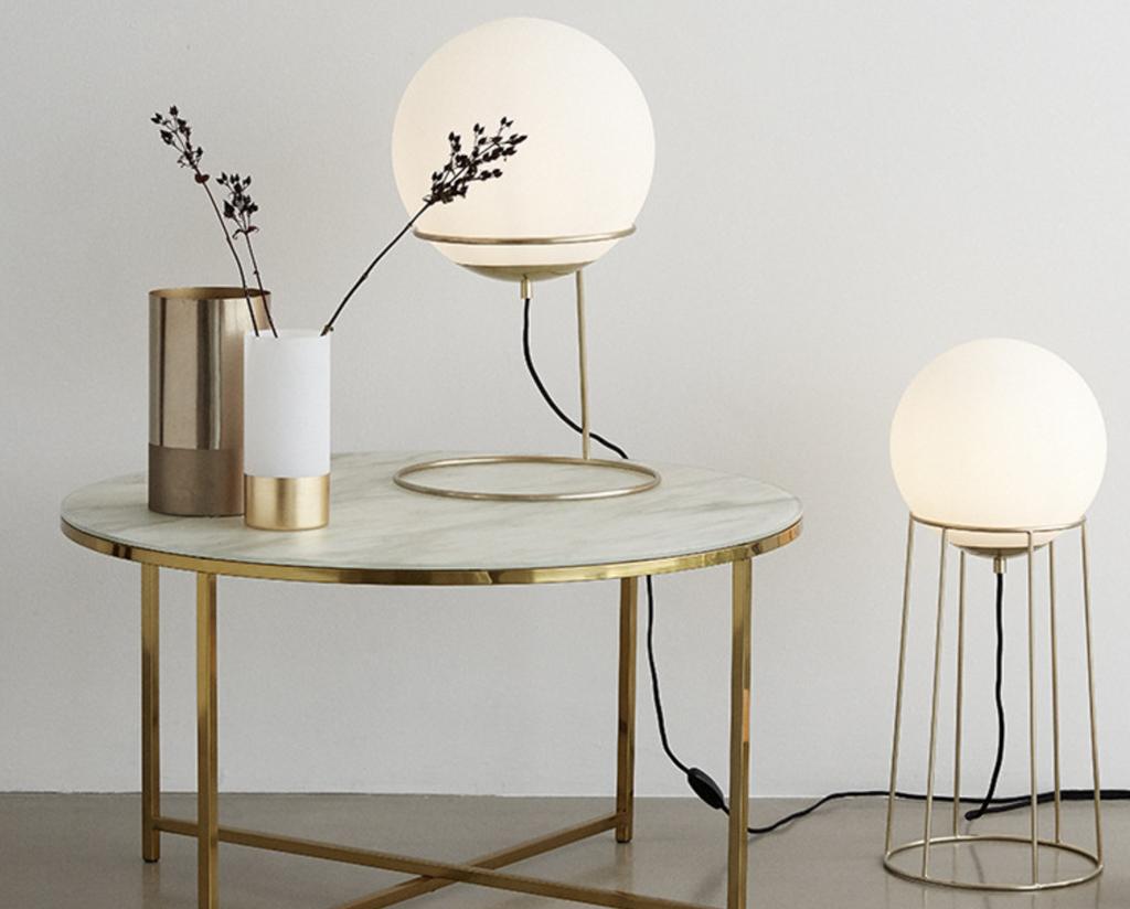 lampe globe verre et laiton