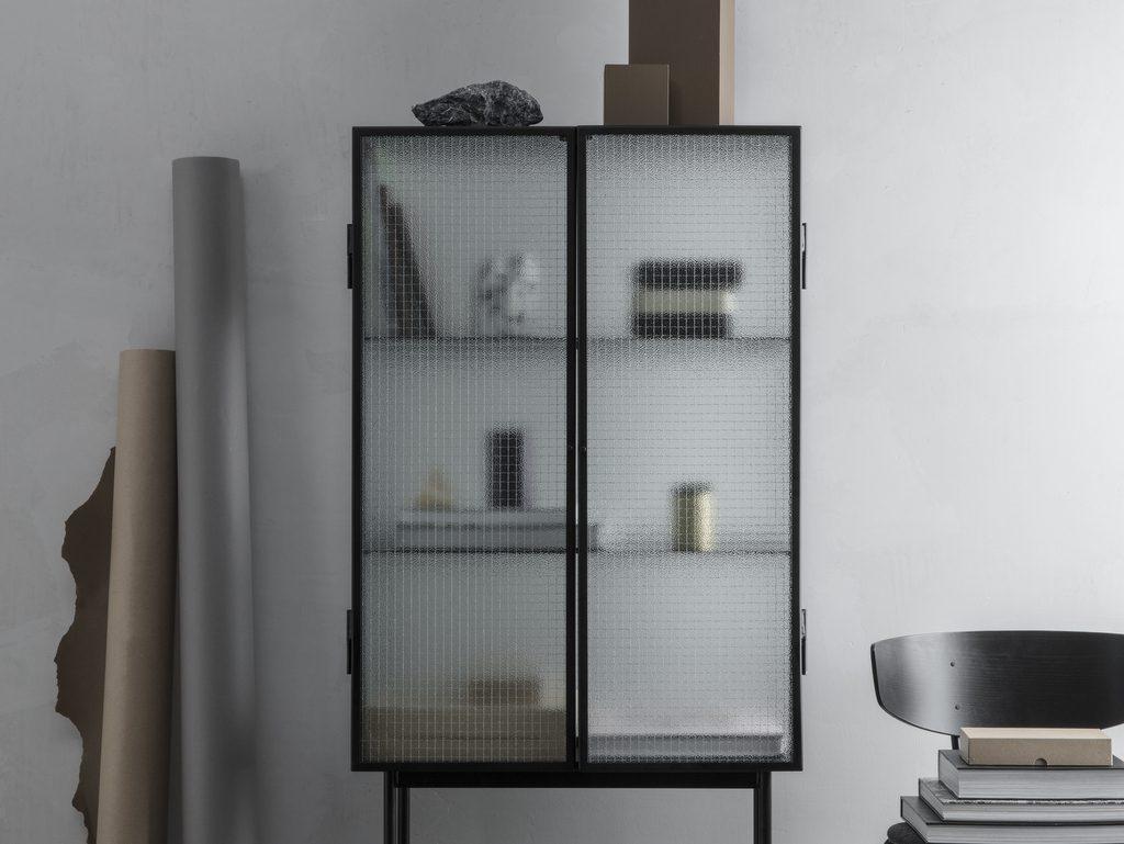 meuble en verre armé