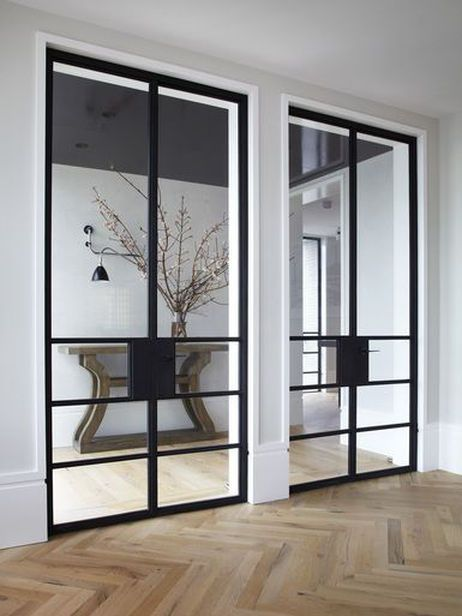 installez une porte d 39 atelier dans votre entr e joli place. Black Bedroom Furniture Sets. Home Design Ideas