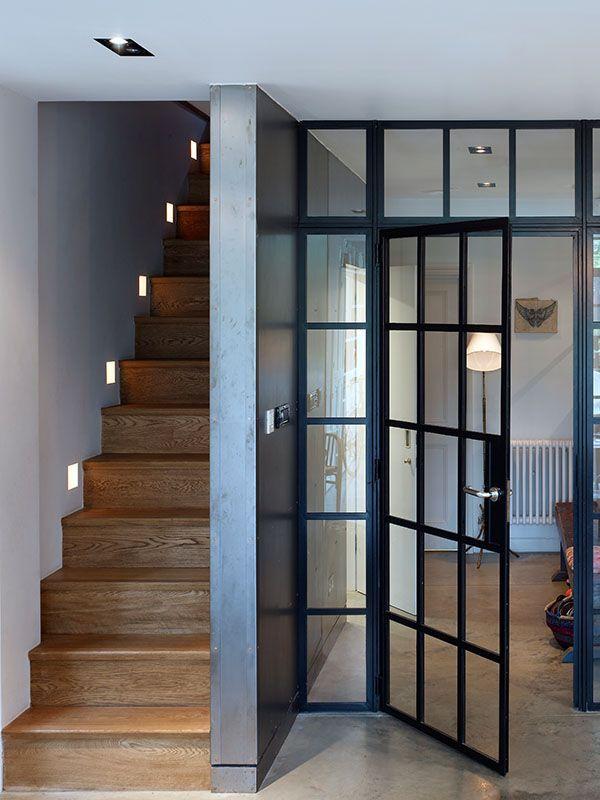 Installez une porte d 39 atelier dans votre entr e joli place for Porte verriere