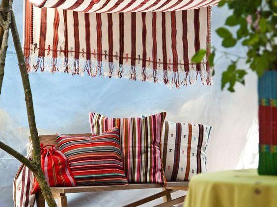 coussins ethnique chic ces petites marques venues d. Black Bedroom Furniture Sets. Home Design Ideas