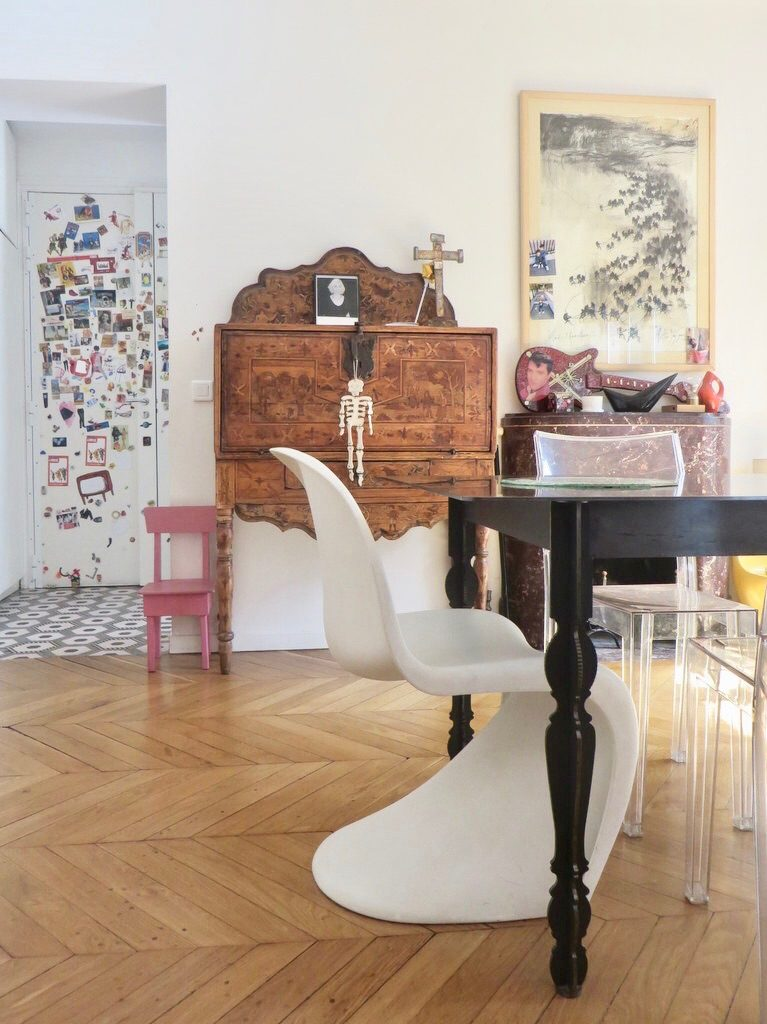 l appartement parisien de sandra et renaud. Black Bedroom Furniture Sets. Home Design Ideas