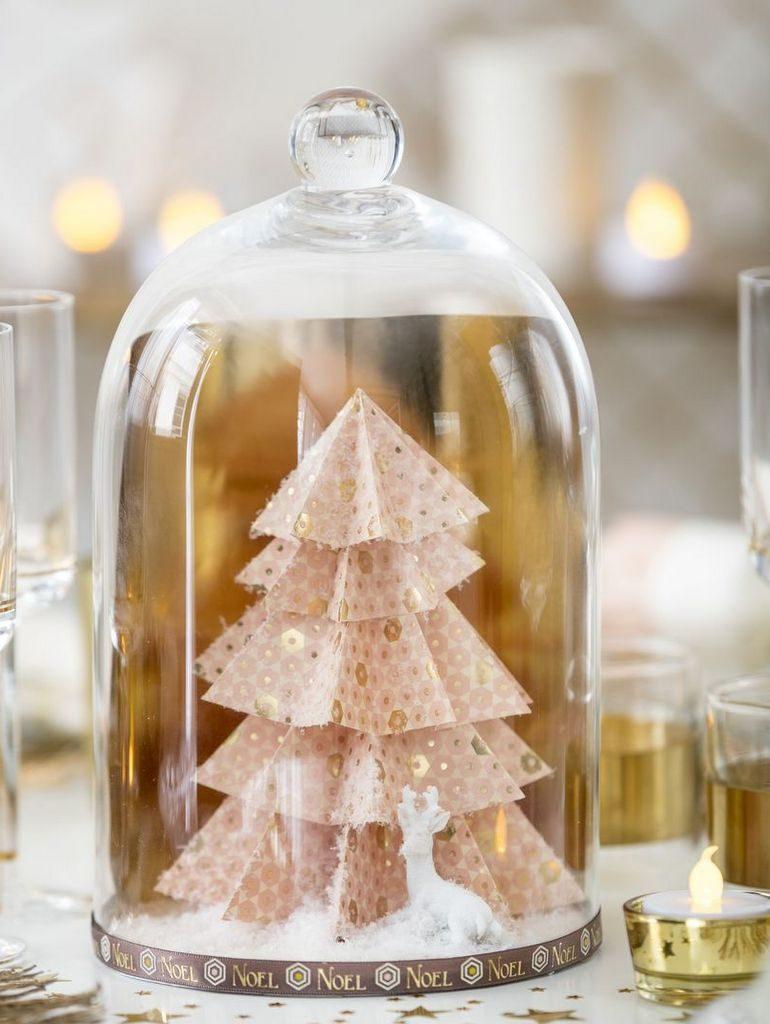 Une d co de no l dans une cloche en verre joli place - Cloche en verre casa ...