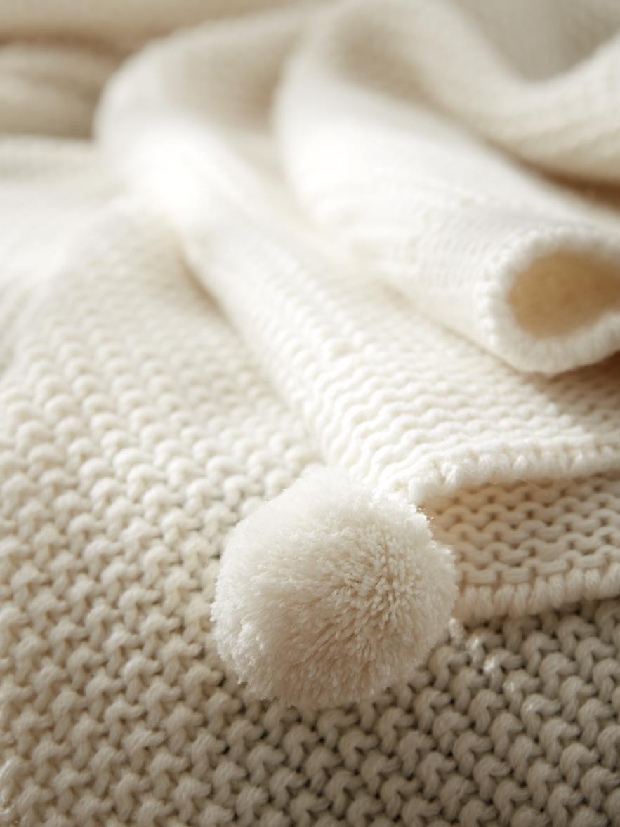 Réchauffer la chambre avec du blanc - Joli Place