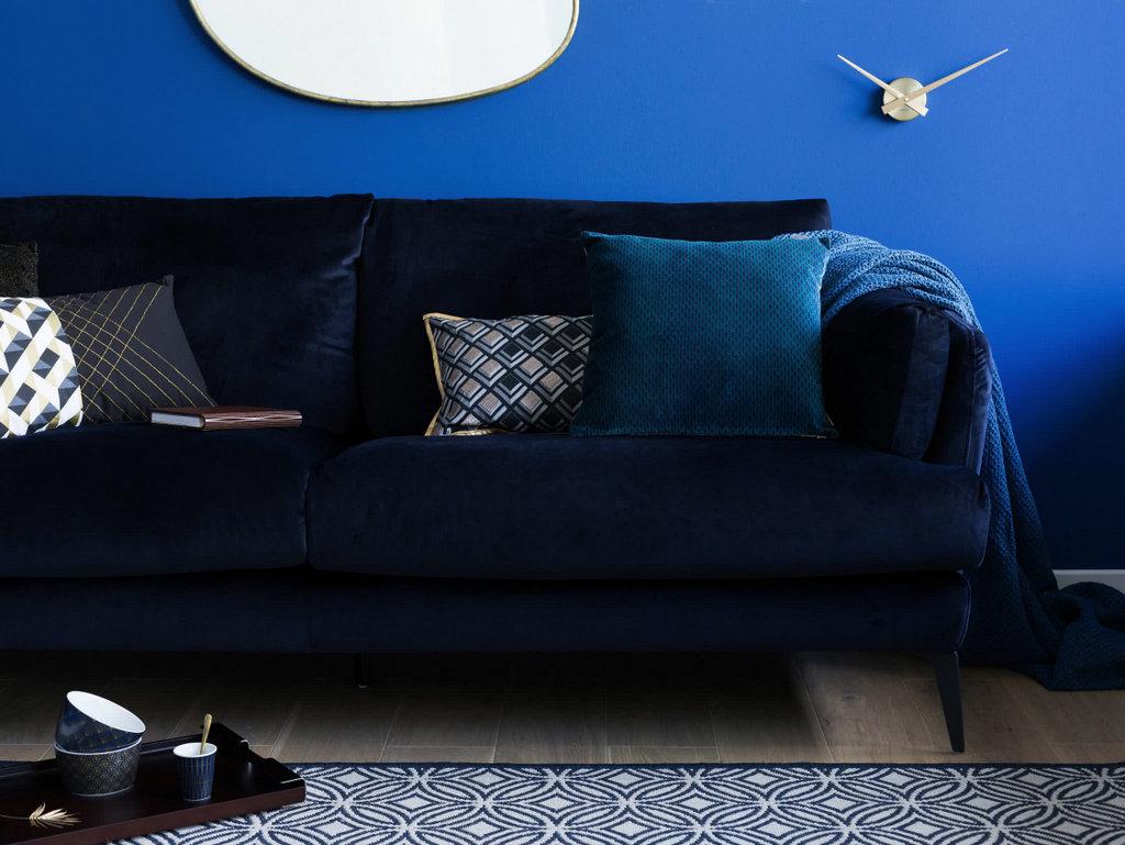 Adoptez la d co bleu indigo dans la maison joli place for Canape bleu indigo