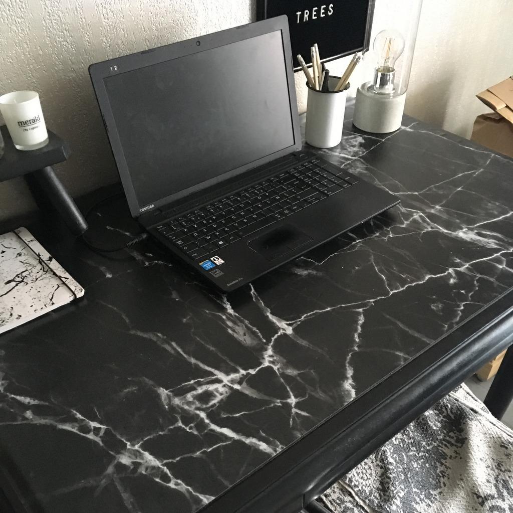 bureau marbre noir
