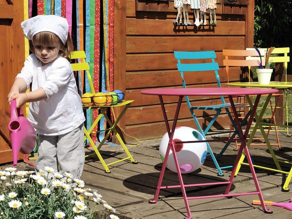 dehors les kids le mobilier ext rieur enfant joli place. Black Bedroom Furniture Sets. Home Design Ideas