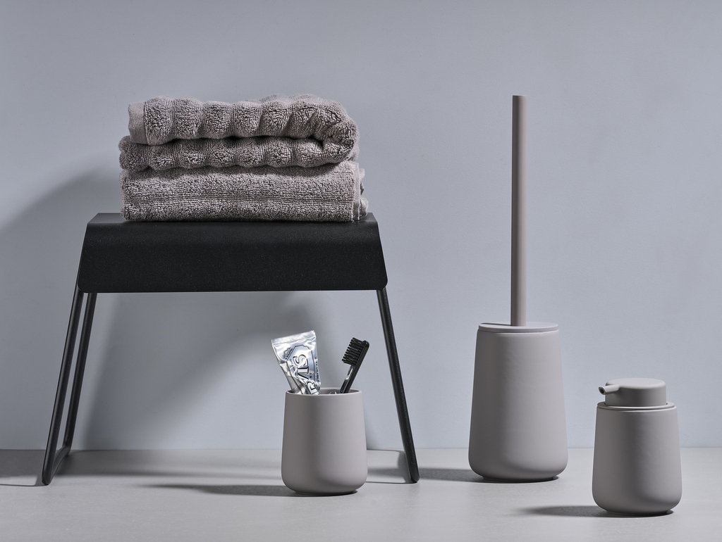 Des accessoires de salle de bain design - Joli Place