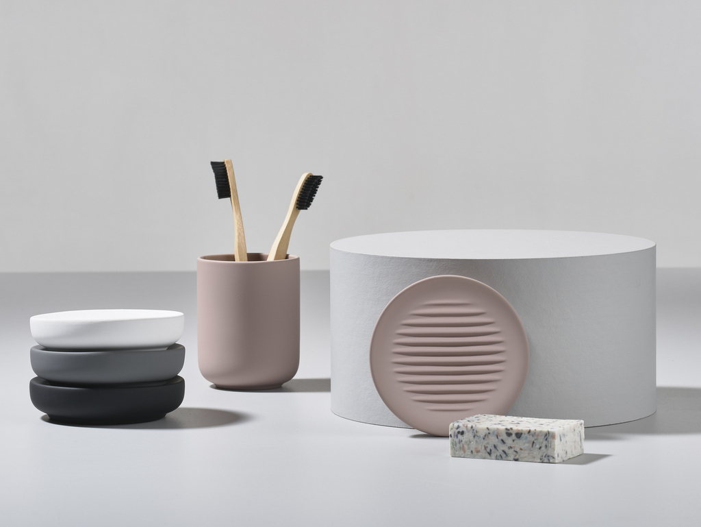 Les accessoires de salle de bain design de Zone Denmark - Joli Place