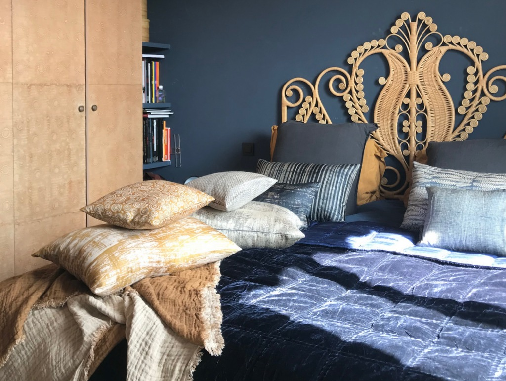 d corer une chambre en bleu beige et camel joli place. Black Bedroom Furniture Sets. Home Design Ideas
