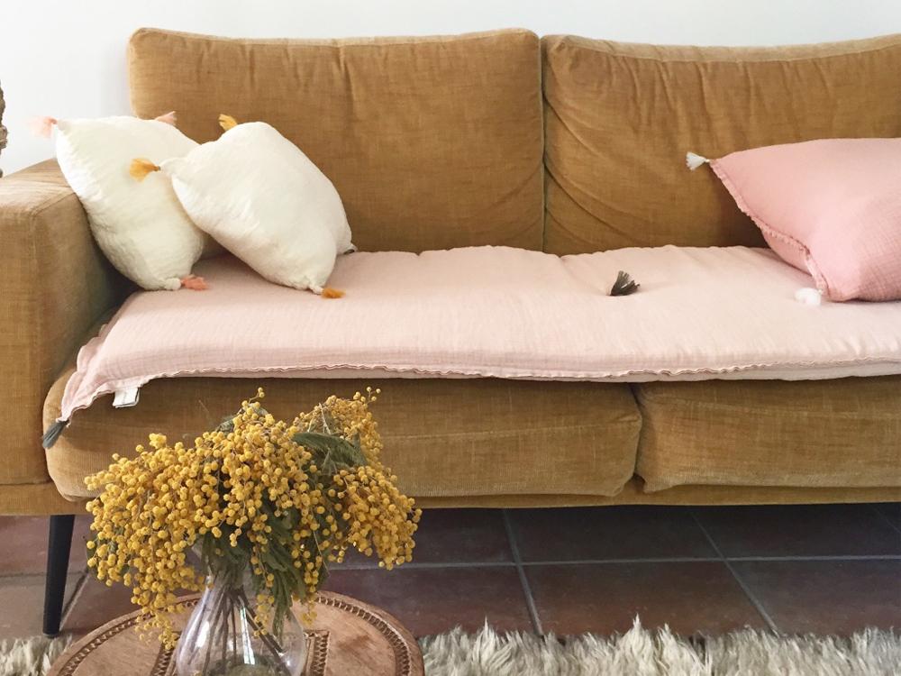 Un édredon de canapé pour relooker votre sofa - Joli Place